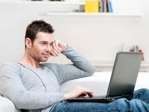 portatil-sobre-las-piernas-afecta-a-la-fertilidad-masculina