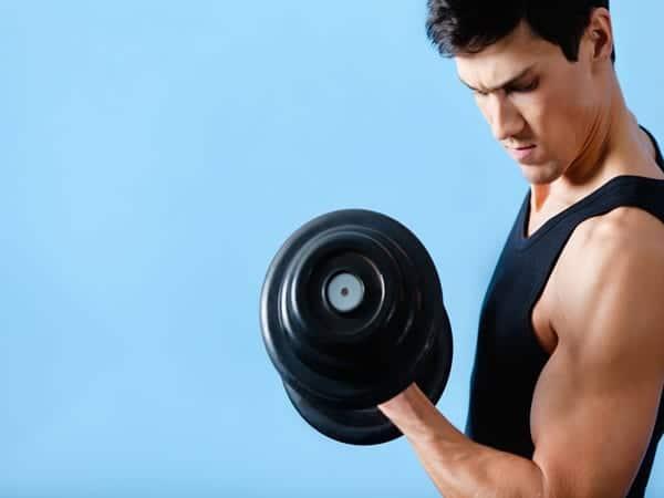 Ejercicios para entrenar los bíceps y los tríceps