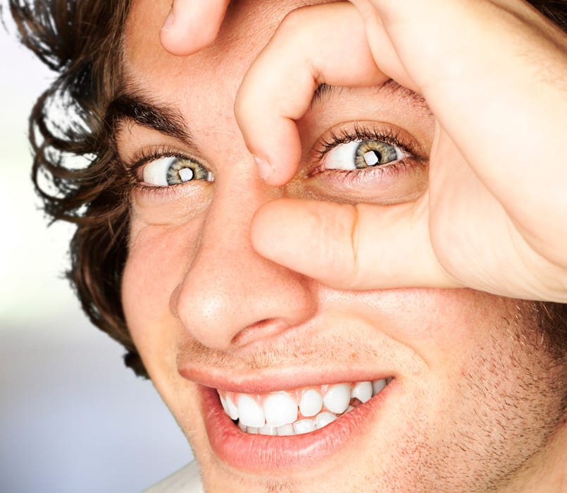 Cómo Aplicar El Contorno De Ojos Correctamente