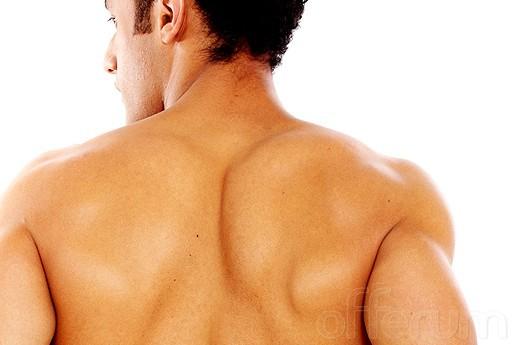 Eliminar el acné de la espalda en los hombres