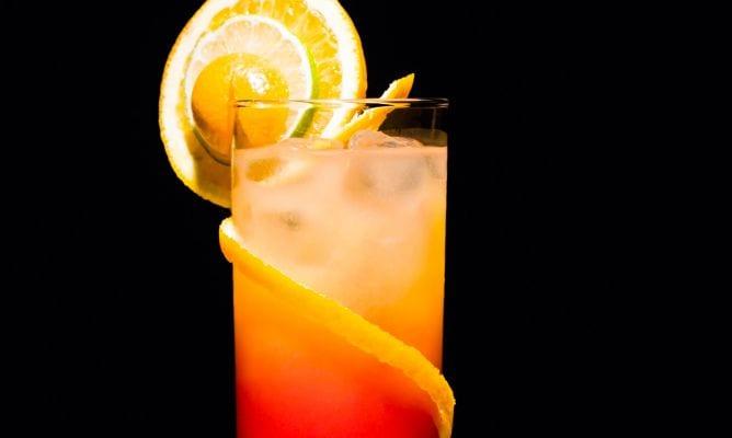 Cómo preparar un tequila sunrise
