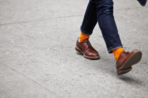 Cómo combinar los calcetines de colores