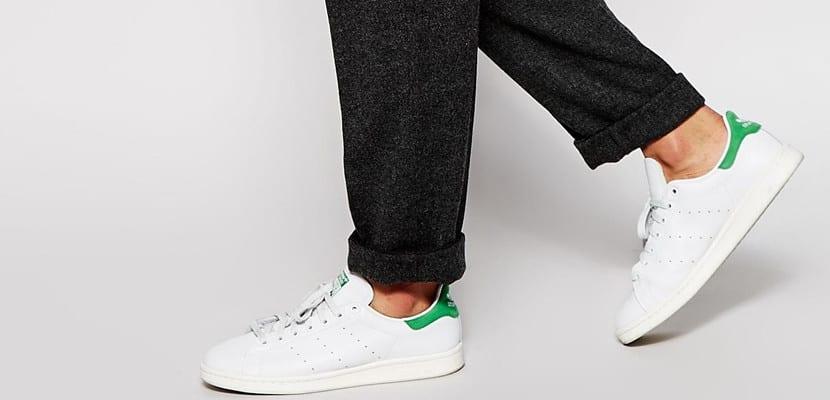 Pantalón de vestir con zapatillas