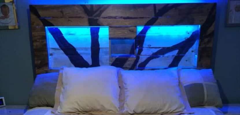 Cabecero de cama retroiluminado
