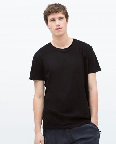 Camiseta básica de manga corta de Zara