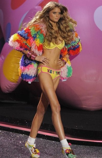 Abbey Lee Kershaw en el desfile de Victoria's Secret