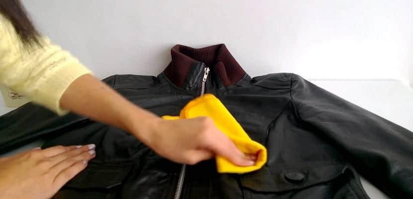 Cuero De Aprende Lavar Chaqueta A Una xfZnXq