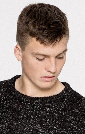 Corte pelo rapado lateral hombre
