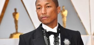 Pharrell Williams de Chanel en los Oscar