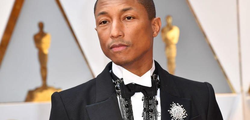 Pharrell Williams de Chanel en los Oscar
