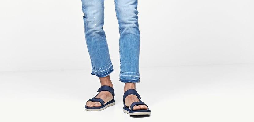Sandalias con jeans