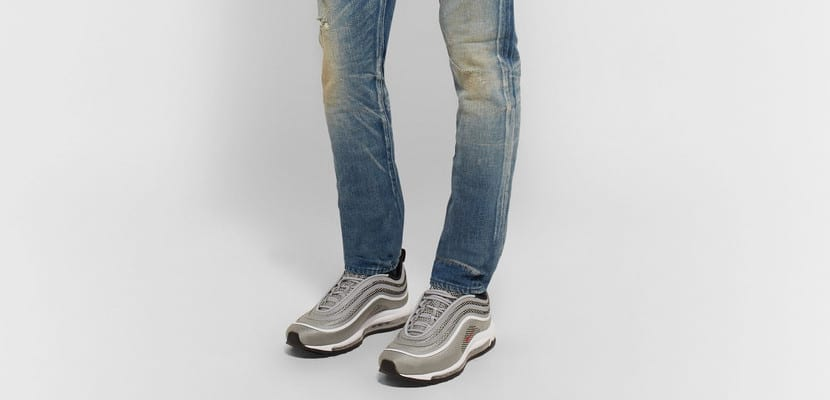 Nike Air Max 97 con skinny jeans