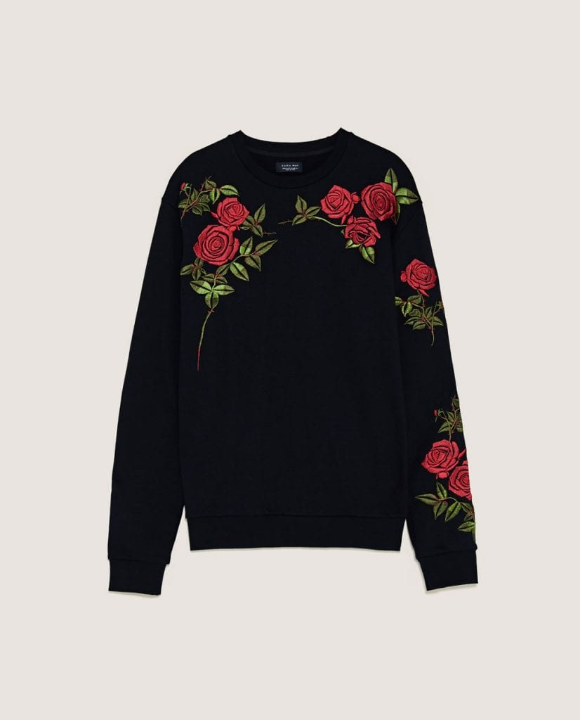 Sudadera con rosas bordadas