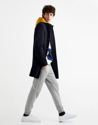 Joggers con abrigo clásico