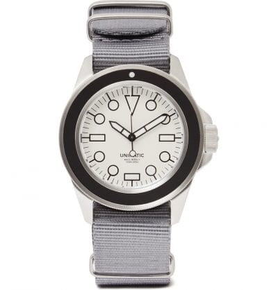 Reloj con correa gris