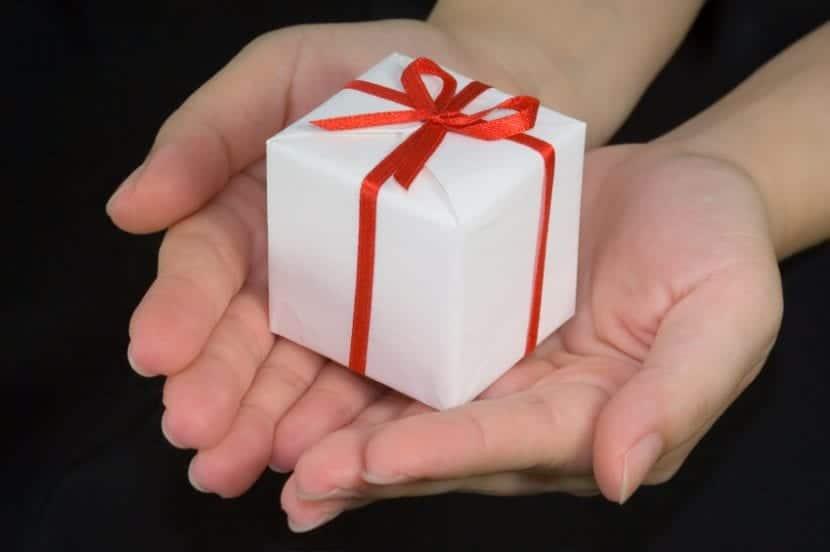 comportarse ante un regalo