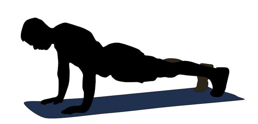 Plancha con brazos extendidos