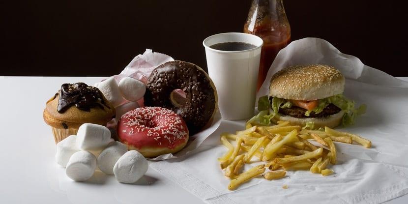 prohibido el consumo de comida basura