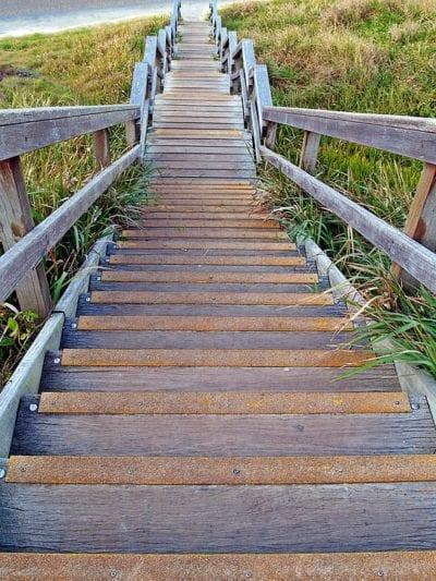 Escaleras al aire libre