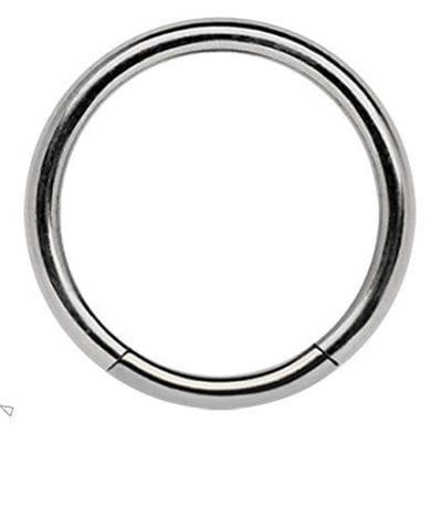 Piercing de titano en forma de aro