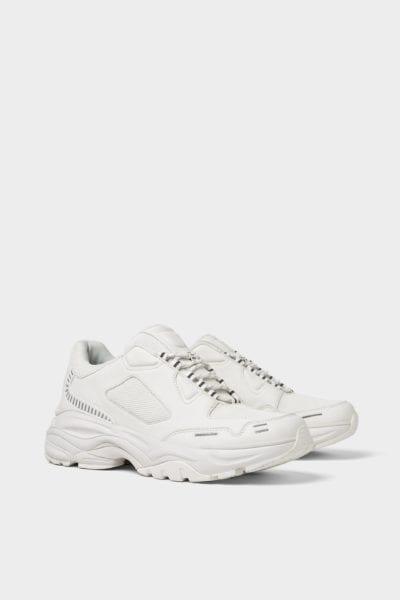 Zapatillas estilo 'grandpa' de Zara