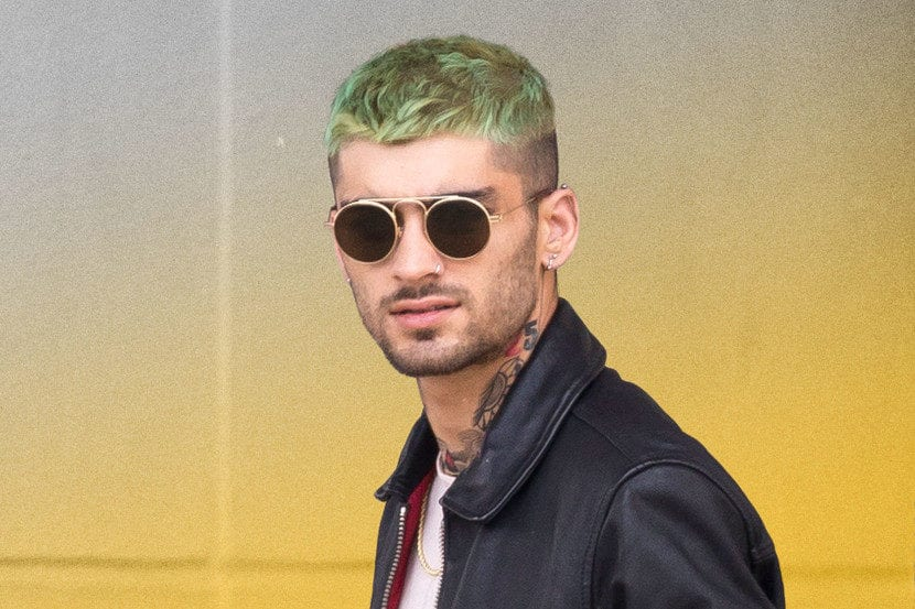 Zayn Malik con el pelo verde