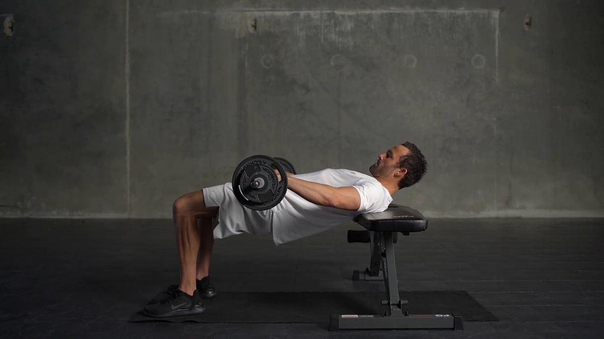 ejercicios gluteos hombre hip thrust
