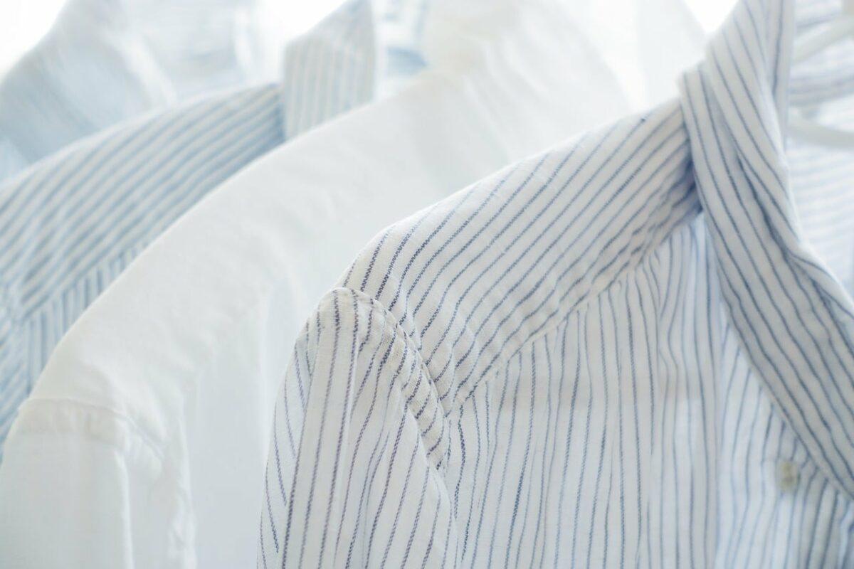 Cómo planchar una camisa sin plancha
