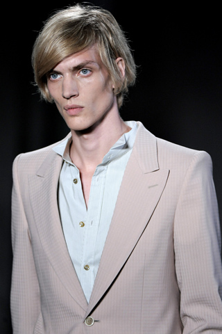 Alexander_Mc_Queen_2012_mens_hairstyle_trends_www_izandrew_blogspot_com_izandrew_5