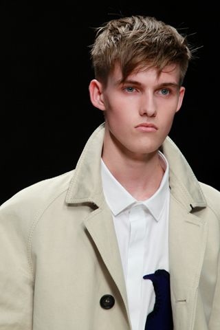 Burberry_Prorsum_2012_mens_hairstyle_trends_www_izandrew_blogspot_com_izandrew_5