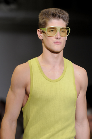 Calvin_klein_2012_mens_hairstyle_trends_www_izandrew_blogspot_com_izandrew_1