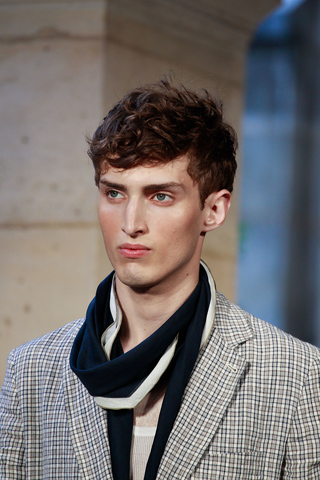 Hermes_2012_mens_hairstyle_trends_www_izandrew_blogspot_com_izandrew_6