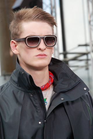 Louis_Vuitton_2012_mens_hairstyle_trends_spring_summer_collection_www_izandrew_blogspot_com_izandrew_2