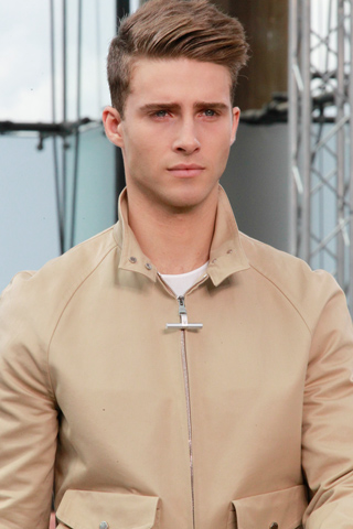 Louis_Vuitton_2012_mens_hairstyle_trends_spring_summer_collection_www_izandrew_blogspot_com_izandrew_3